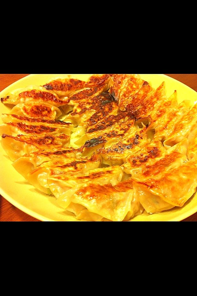 ハラペーニョと豚肉のピリ辛餃子