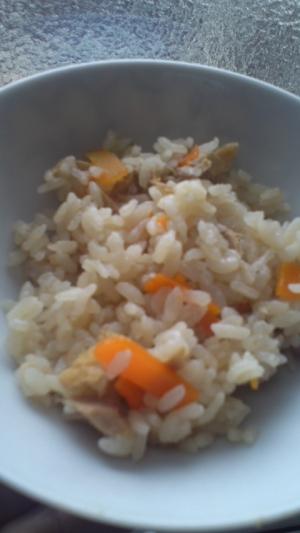 炊飯器で簡単♪ツナ&にんじんの炊き込みごはん