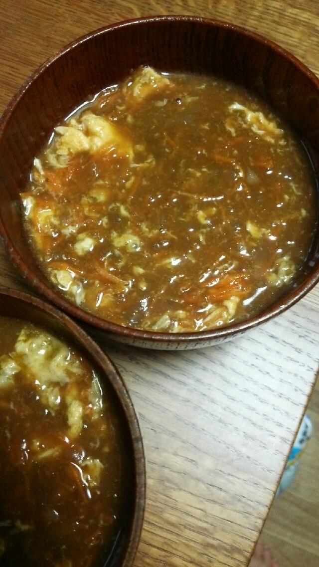 残ったカレーで卵スープ
