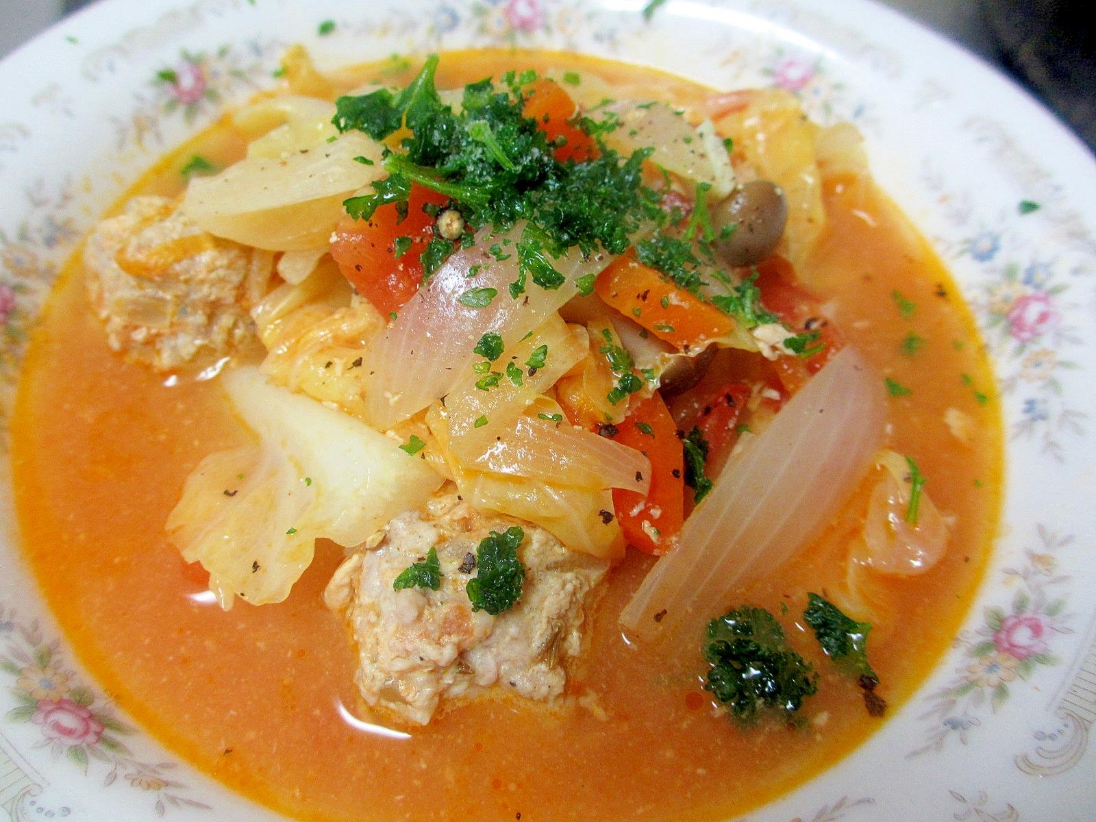 クミン肉団子とキャベツのトマトスープ