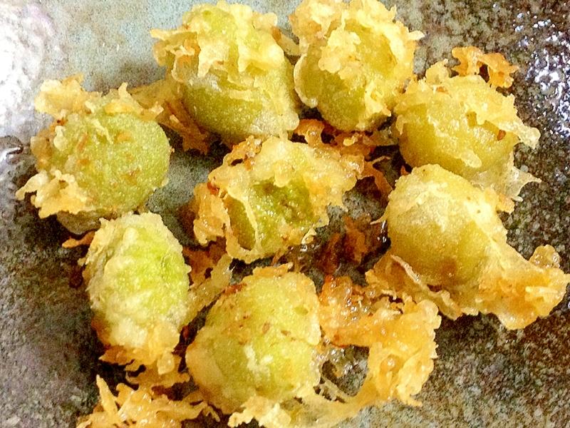 3. オリーブの実の天ぷら