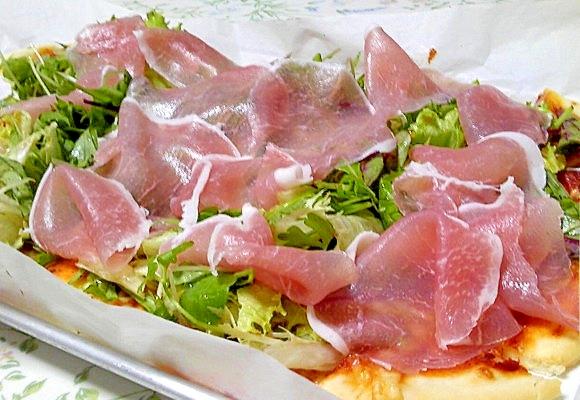 パーティにおススメ☆生ハムとフレッシュ野菜のピザ