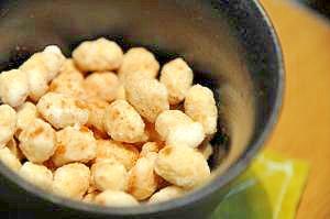 レンジで2分おやつ!煎り大豆のシナモンシュガー