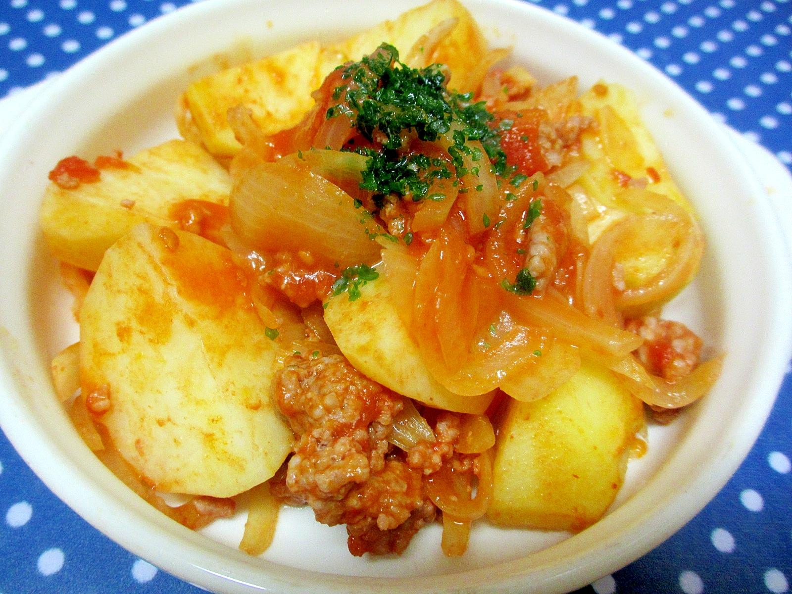 レンジでジャガイモとひき肉のトマト煮