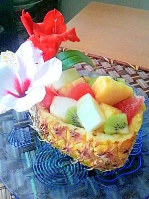 夏いっぱいトロピカルなパイナップルボード