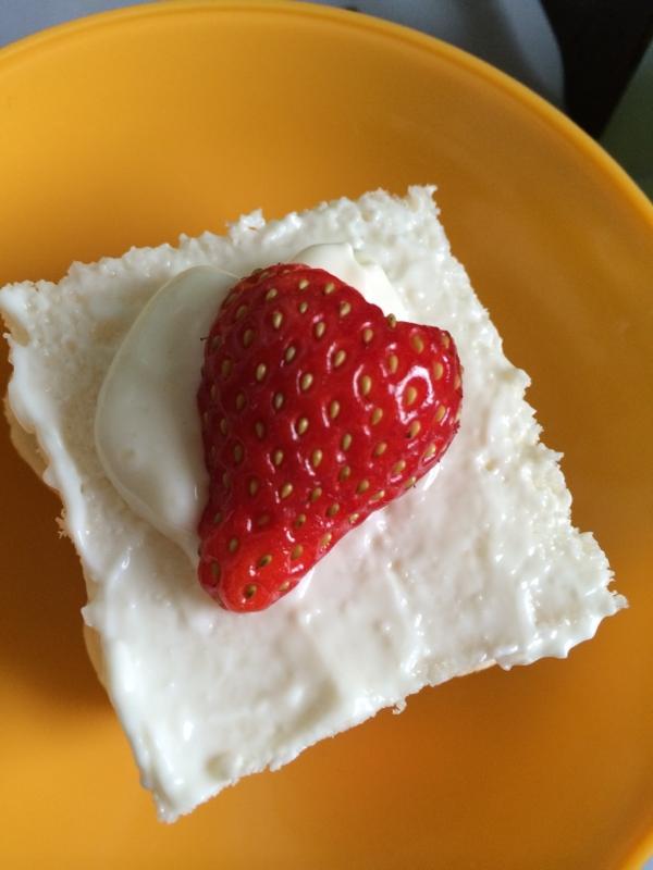 2歳のお誕生日ケーキ☆卵なしのチーズケーキ