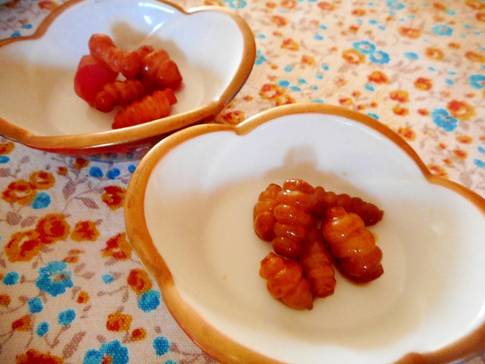 お皿に盛られたチョロギ
