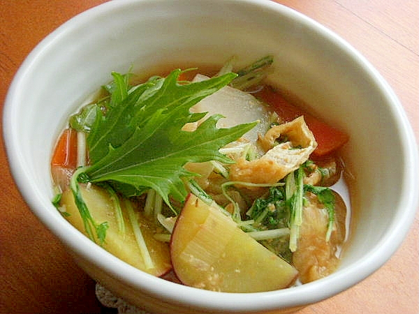 2. さつまいもと冷凍大根の味噌汁