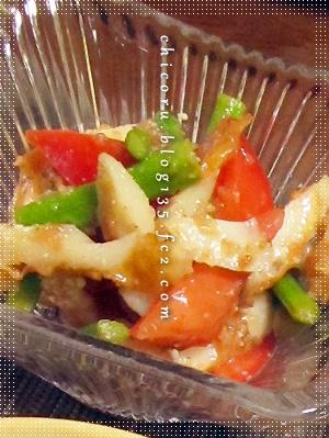 彩りのアスパラとトマト、竹輪の梅鰹和え