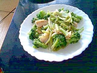 ブロッコリーと鶏軟骨の中華炒め
