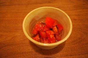 【あと一品の小鉢料理】トマトのもずく酢和え