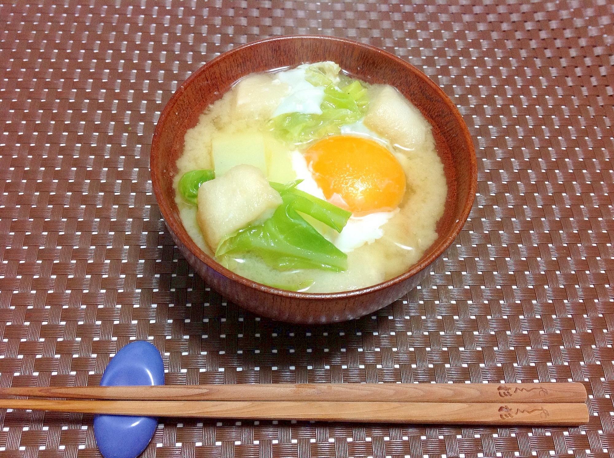 3. たっぷり野菜と落とし卵の味噌汁