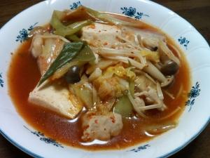 ネギたっぷりの豆腐キムチ鍋