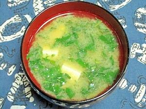 モロヘイヤと豆腐の味噌汁