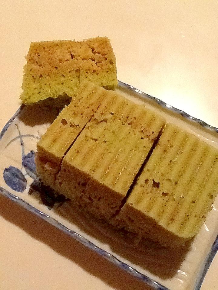 サツマイモ入り緑の蒸しパン