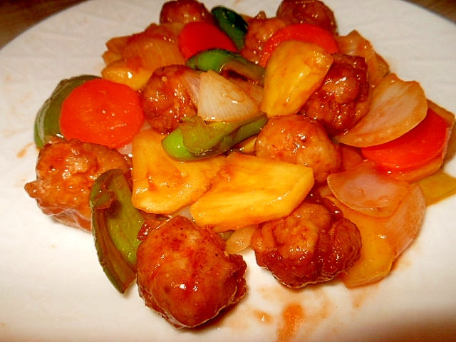 豚小間肉丸めて~野菜とパイナップルの甘酢餡
