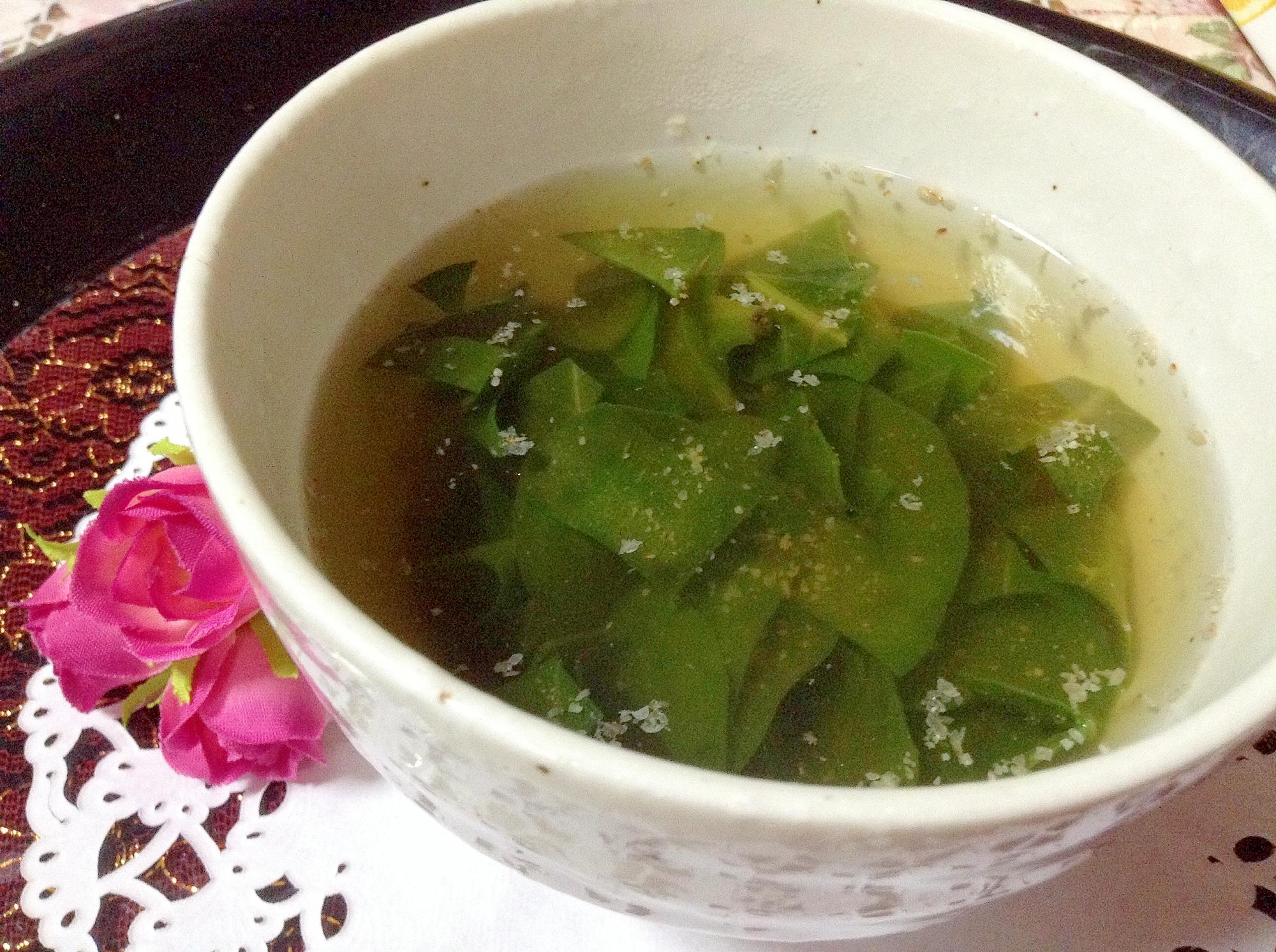 3.にんにく香るおかわかめのスープ