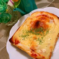 キムチーズ土手マヨったまトースト