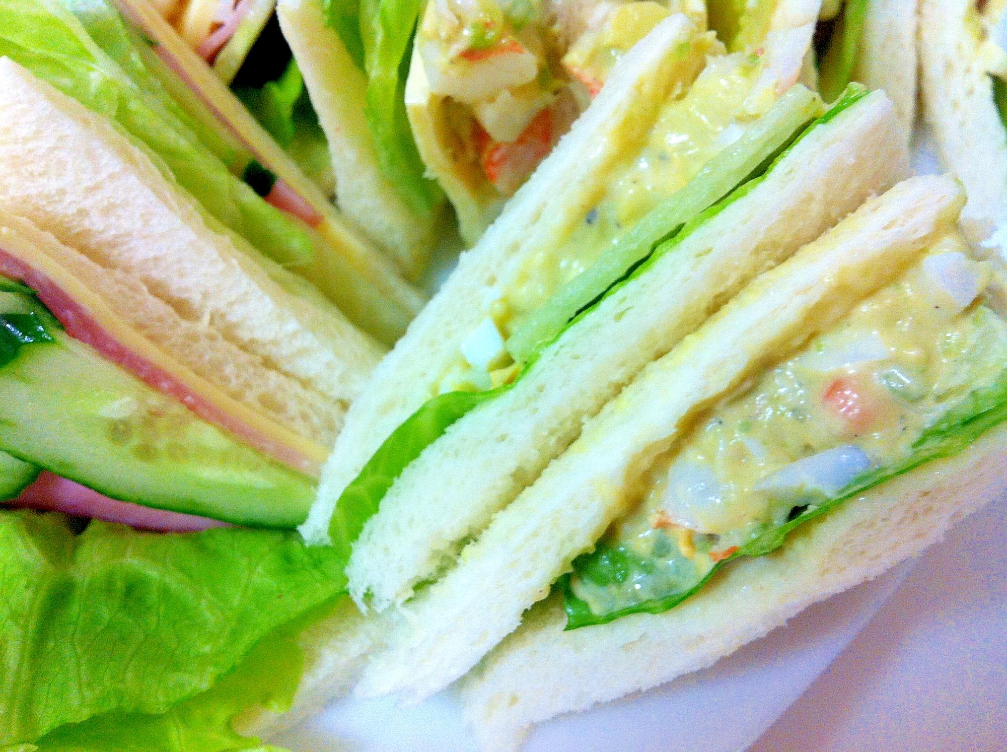 アボカドとエビのサンドイッチ♪