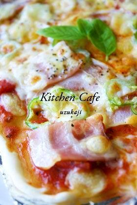 トマトソースのクリスピーピザ