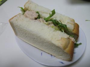 ツナサンド!?カルシウムたっぷりの鮭缶サンド☆