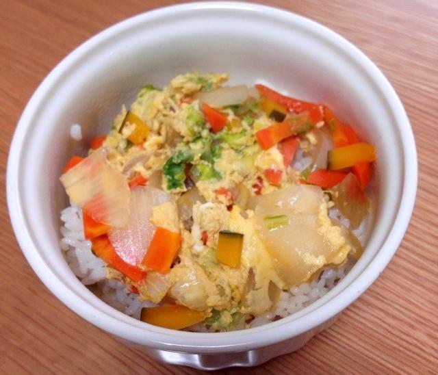 野菜たっぷりの卵丼