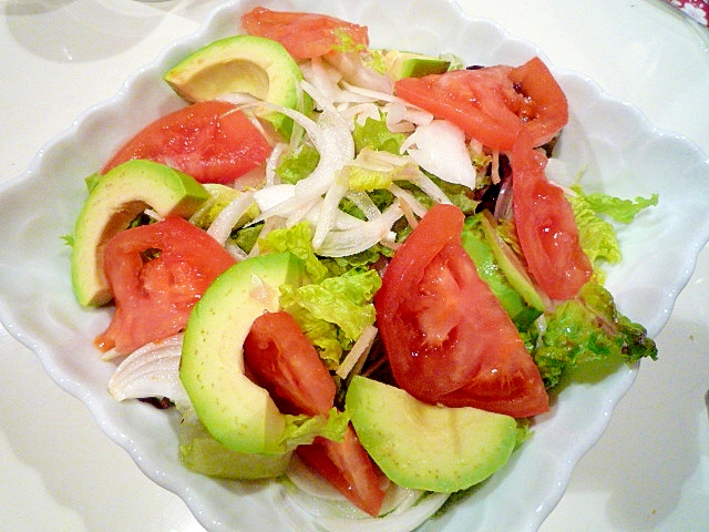 アボカドのエスニック風サラダ♪