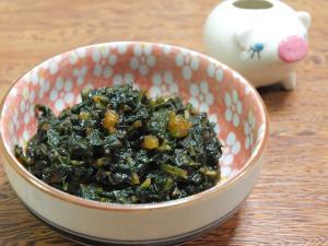 3. ふきの葉の甘味噌甜麺醤炒め