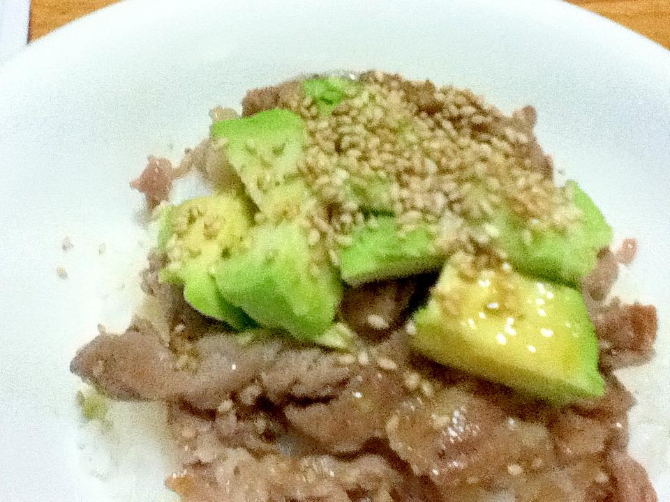 豚肉とアボガドの中華風丼