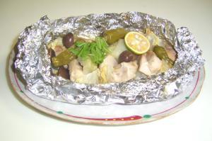 鶏肉と野菜やキノコの鍋風ホイル蒸し
