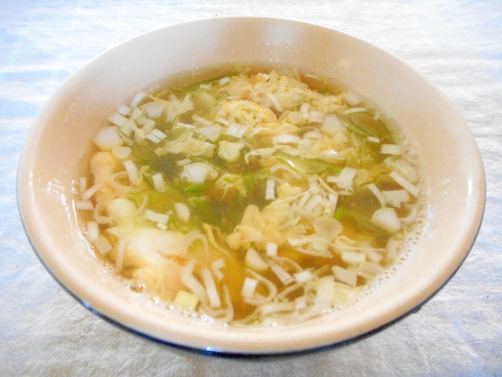 4.ふわふわ卵入りめかぶスープ
