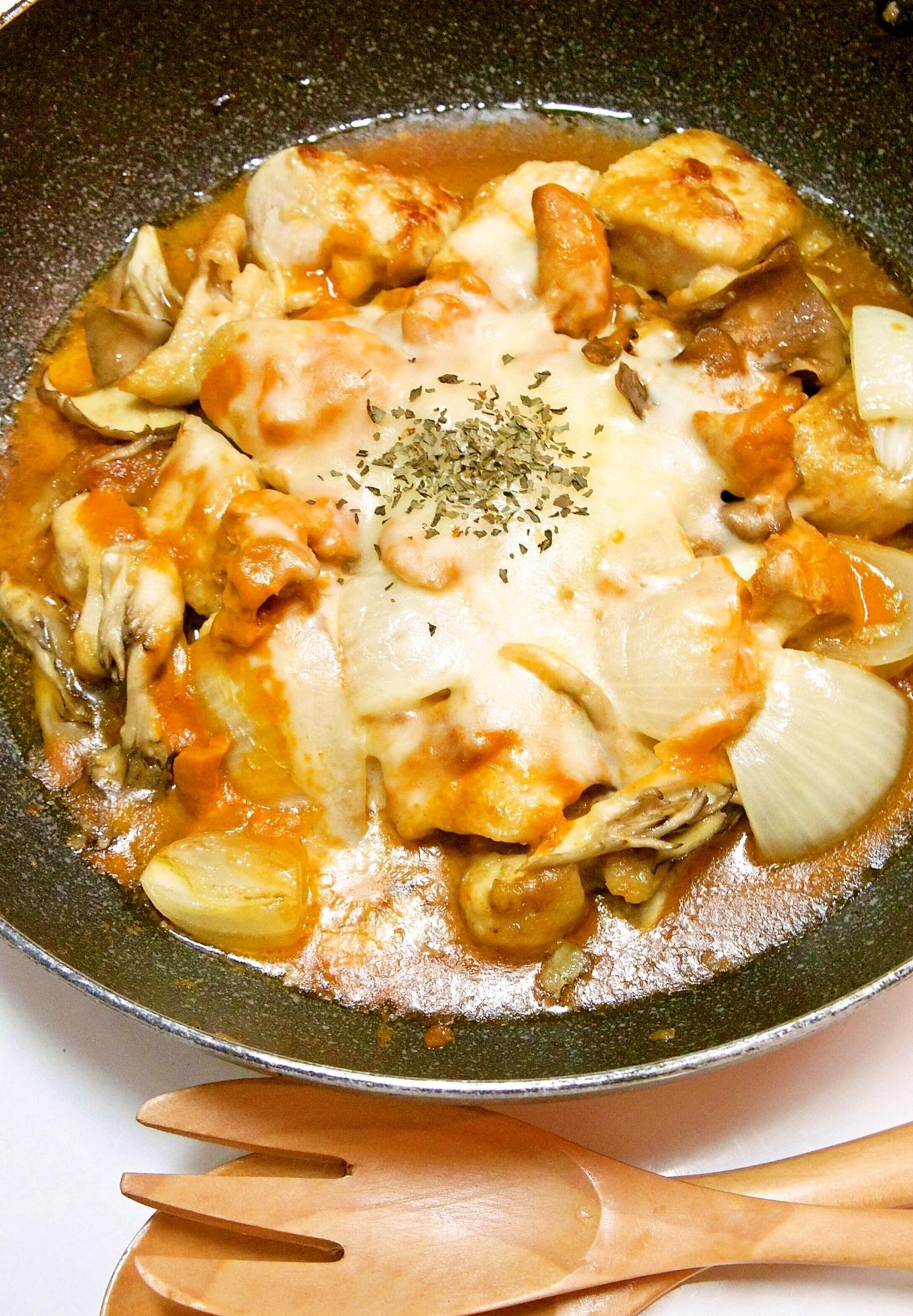 フライパン一つで♪チキンと野菜のカレーチーズ焼き