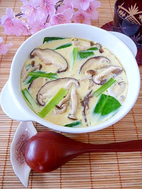 蒸し器なくても鍋で簡単!きのこと小松菜の茶碗蒸し