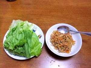 ひき肉のレタス包み~冷蔵庫の残り野菜とともに~