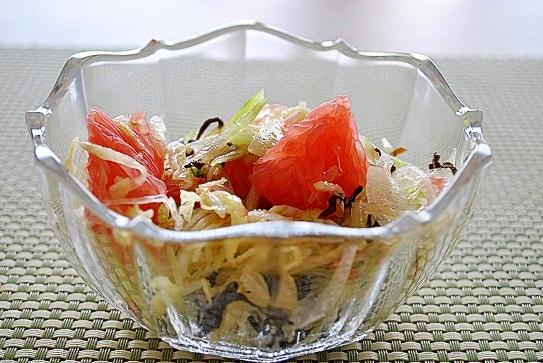 6. グレープフルーツの塩昆布サラダ