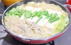 モランボン☆煮込みラーメンもつ鍋