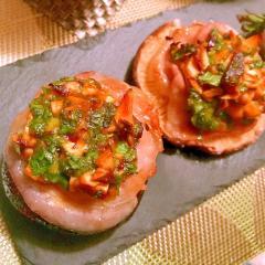 ふかふかでか椎茸の豚ばらセロリ酢味噌焼き