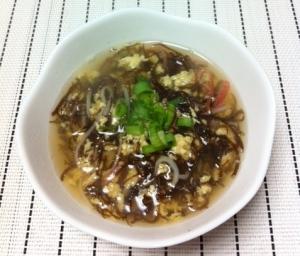ツルツル♪もずく&カニカマ&卵の和風スープ☆