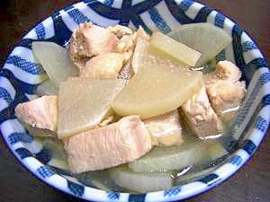風邪や食欲不振にも♪大根と鶏肉のホット煮込み♪