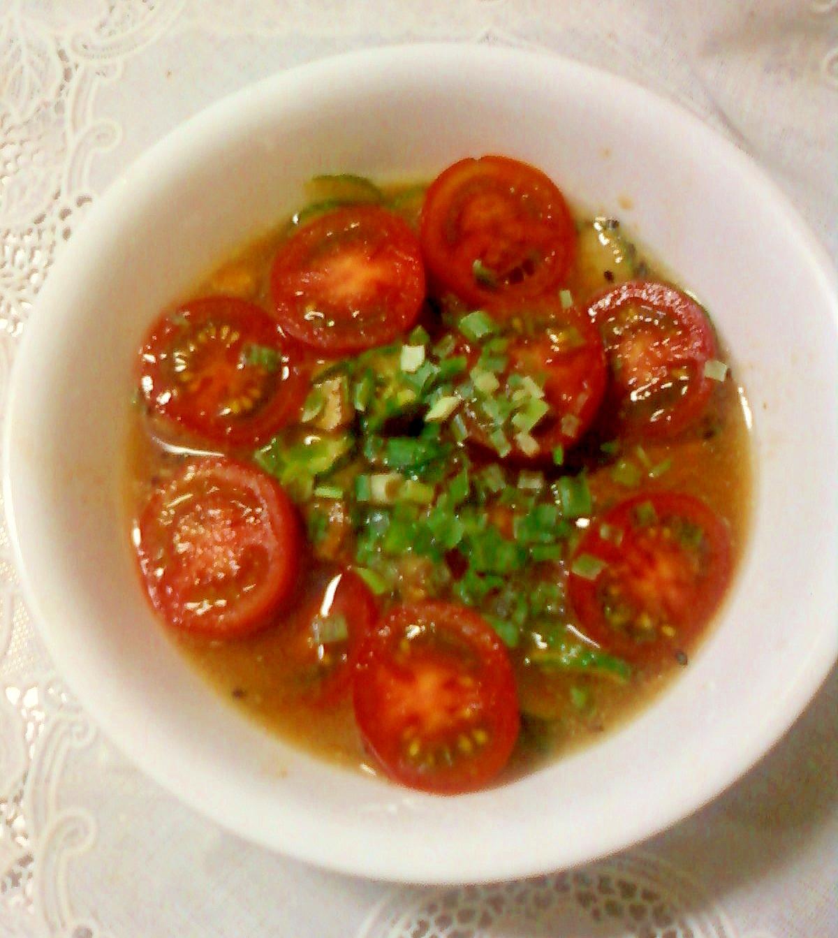 プチトマトとサバときゅうりとわけぎのスープ