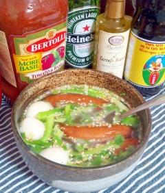 シャウエッセンとうずら、葱の簡単スープ☆