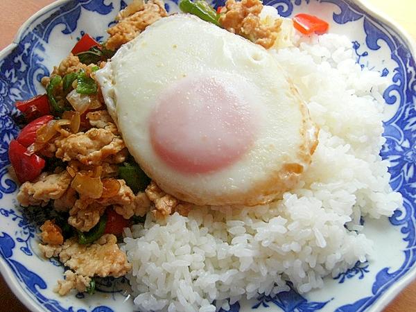 タイ料理的❤ガパオっぽいご飯♪(ナンプラー他)