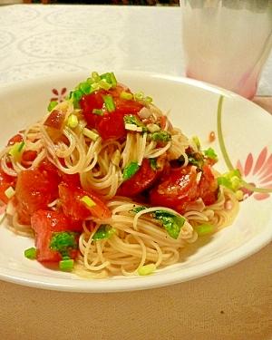 梅干しが隠し味!トマトの冷製和風パスタ
