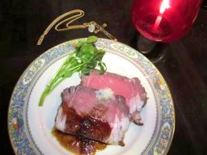 豊潤な肉を味わう!リブロースのローストビーフ