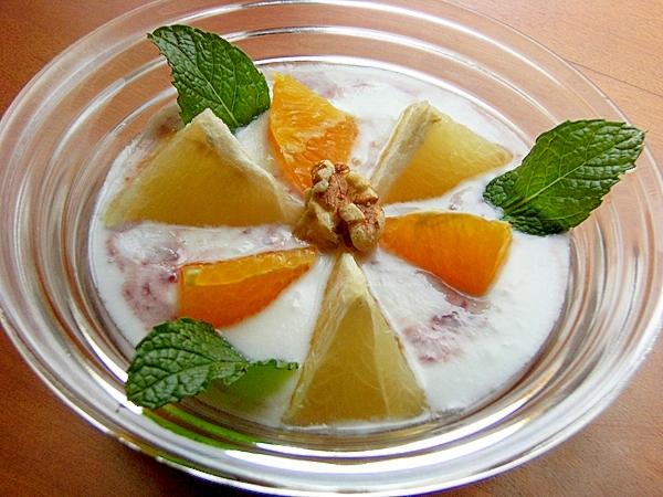 簡単葡萄ジャム&柑橘類でヨーグルト♪(ミント他)