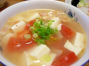 豆腐とトマトのスープ