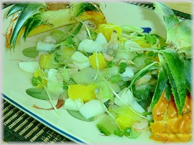 夏にぴったり、ハワイアンシーフードサラダ