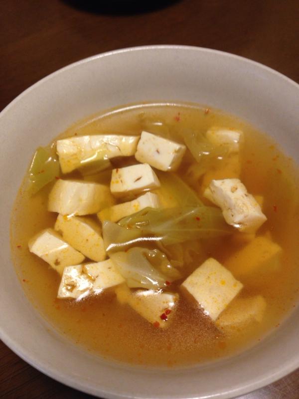 キャベツと豆腐の味噌スープ