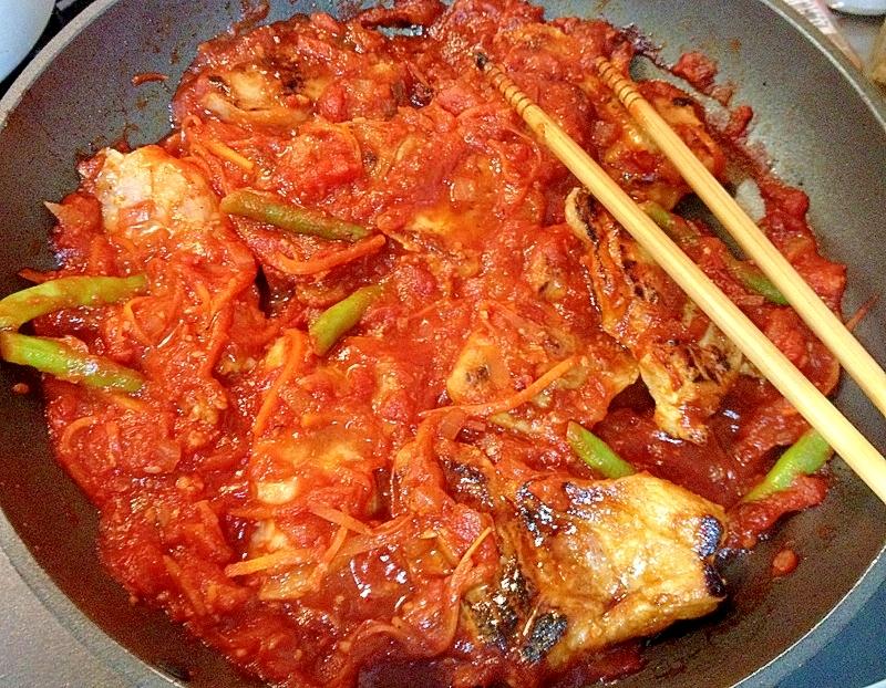 塩麹漬けポークのトマトソース煮