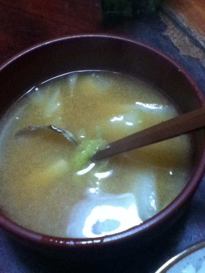 白菜とハマグリの味噌汁
